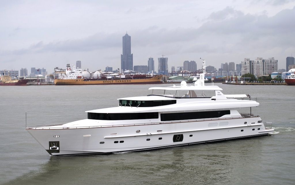 Lady gaga yacht rp110 horizon superyacht lady gaga