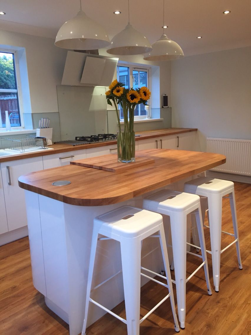 White Gloss Kitchen With Oak Worktop