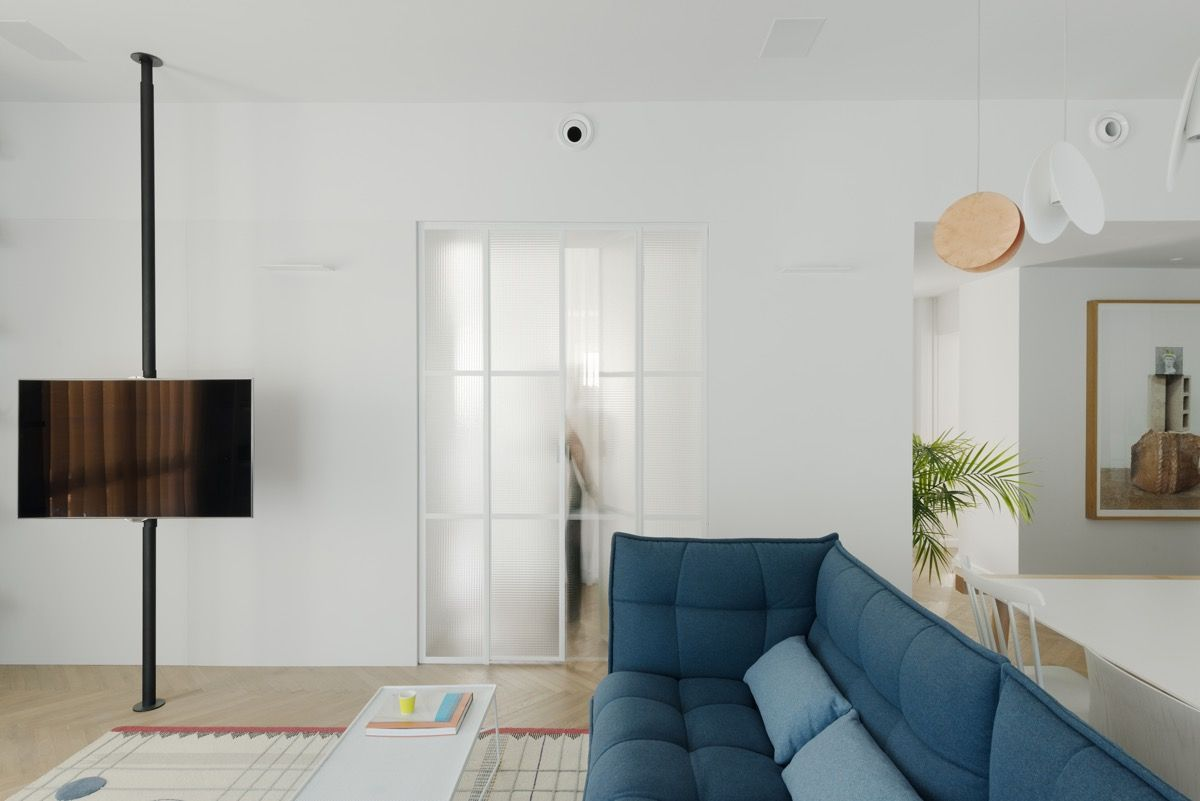 A preserved 1930s Bauhaus building in the heart of Tel-Aviv holds an ...