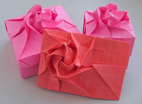 A Menko -How to Make a Traditional Origami Envelope | 440x600