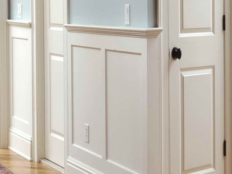 Classic white bathroom wainscoting what is wainscoting for Wainscoting bathroom