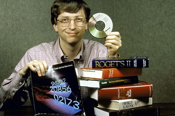 Bill Gates demonstrates the memory power of a CD, 1987 via reddit
