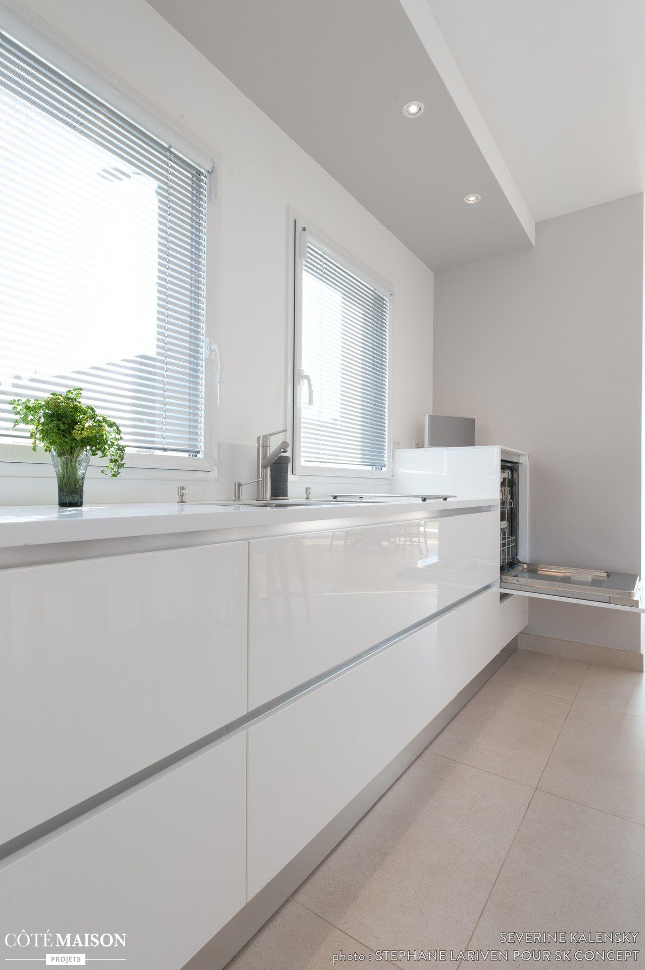 Projet cuisine design italien total look blanc avec îlot central ...