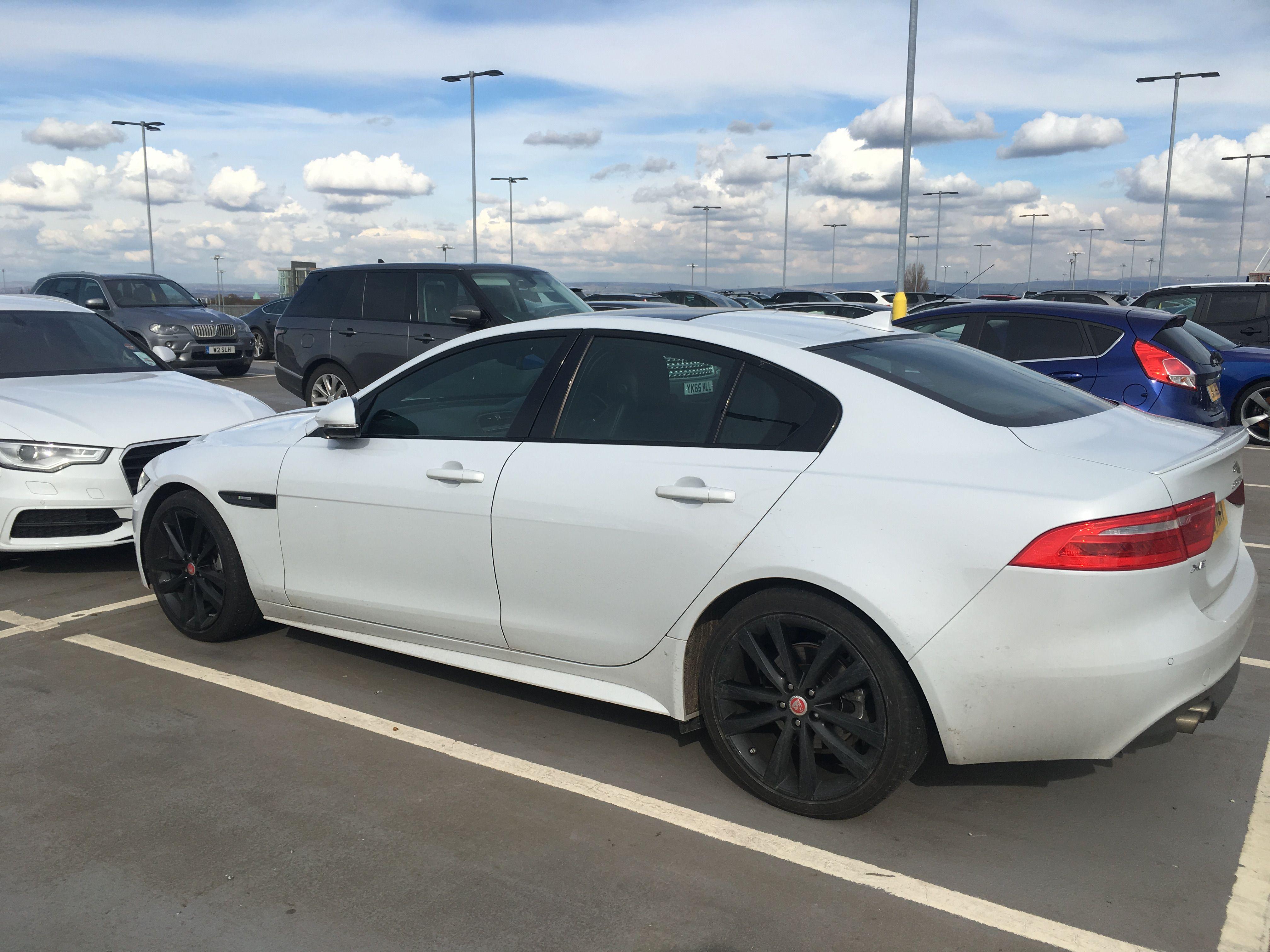 Car colour white - Jaguar Xe Car White Colour