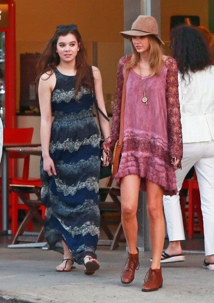 Taylor Swift Photos: Taylor Swift Goes Shopping In West Hollywood With A Friend
