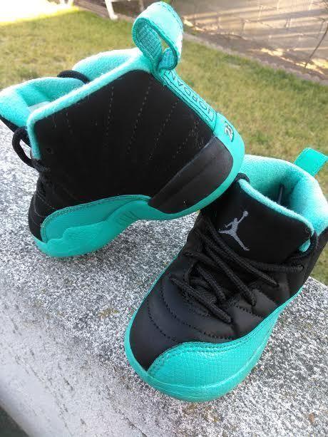 0409336e027150 Nike Air Jordan 12 Xll Retro Black   Hyper Jade Size (7c) Toddlers Boys