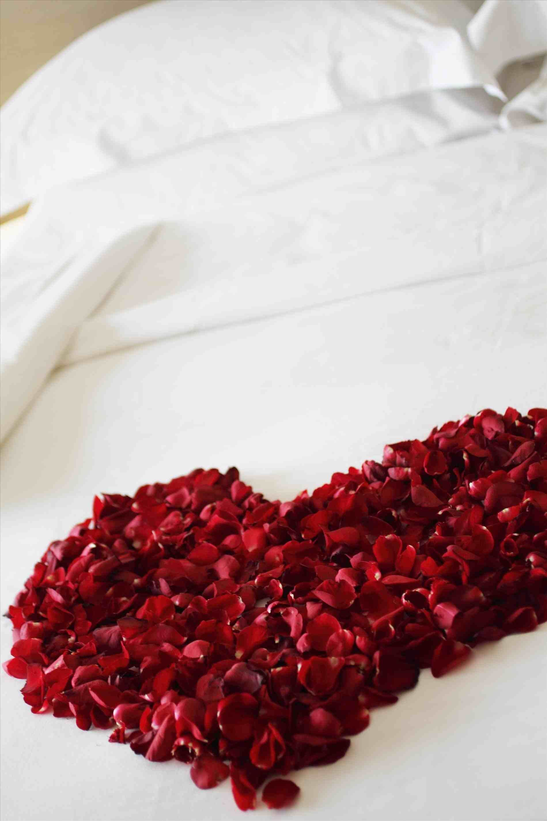 How To Decorate Bedroom For First Night Date Night Honeymoon