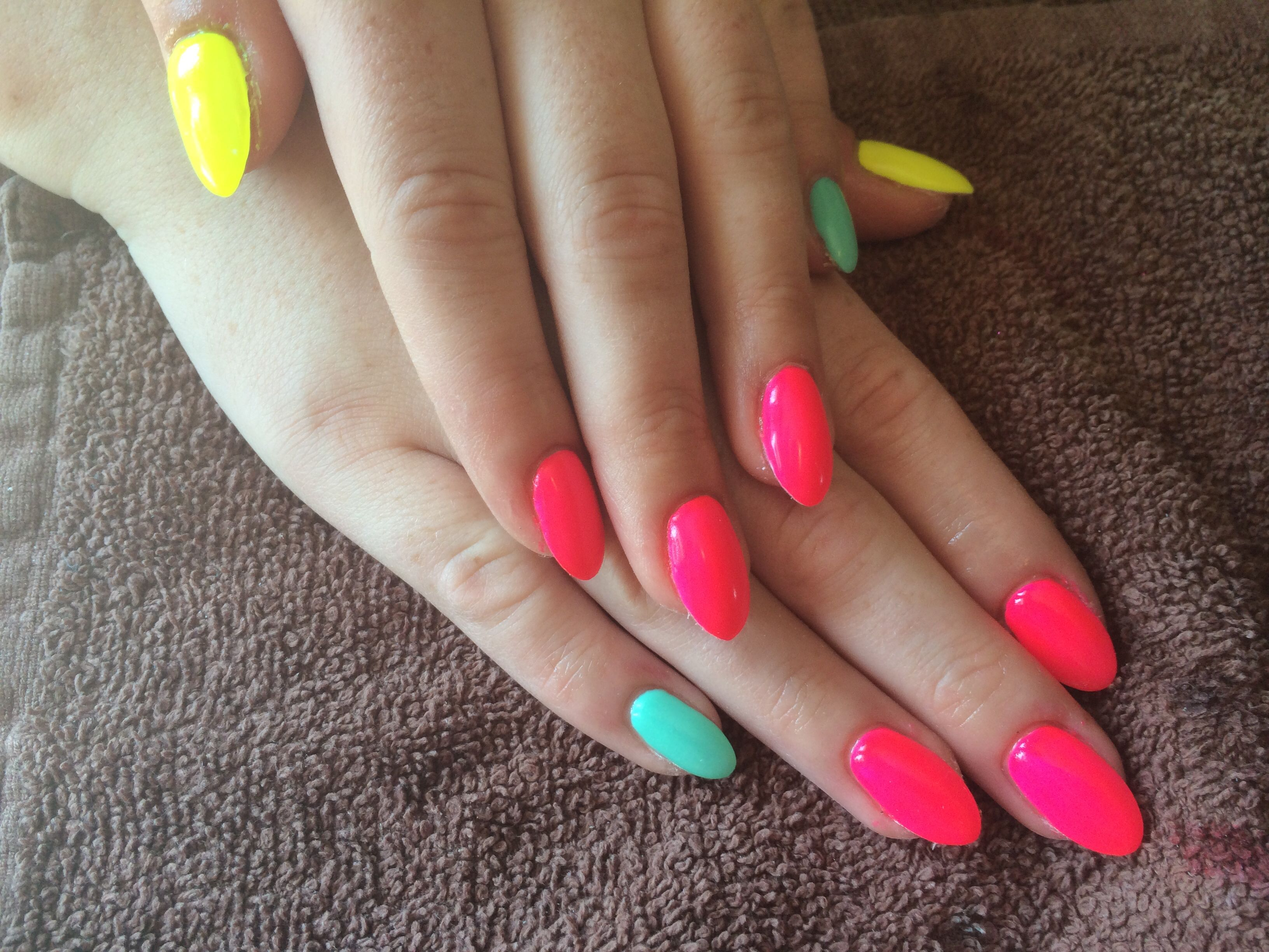 Summer Nail Polish Colours; the Best to Put on your Nails Right Now ...
