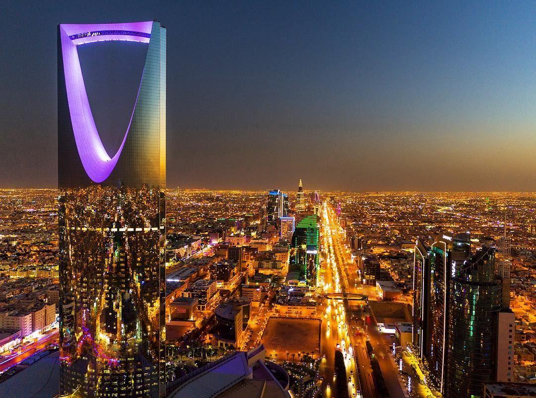 National Geographic Travel On Instagram Photo By George Steinmetz Geosteinmetz Kingdom Centre Riyadh Saudia Arabia This 99 Story Landmark Apartment Tower