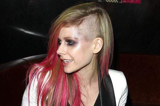 Avril Lavigne Marilyn Manson Convinced Me To Shave My Head Nme Human Hair Extensions Hair Styles Hair Extensions Best