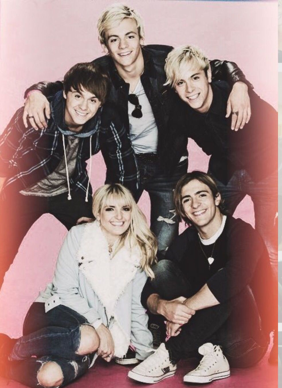 R5 looking cute and Rydel adorable!