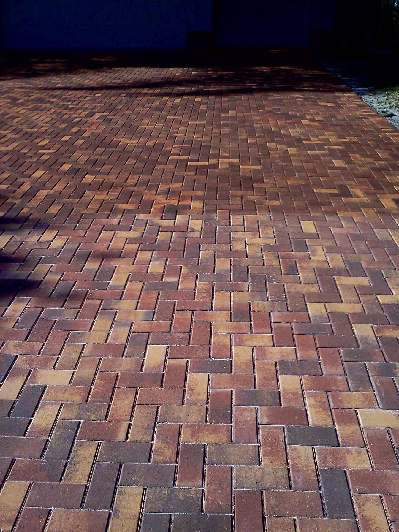 Sealing Your Pavers Brings Out The True Color And Beauty