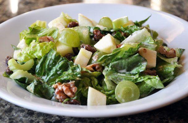 L'insalata Waldorf è una ricetta classica della grande ristorazione alberghiera e prende il nome dall'hotel Waldorf Astoria di New York.