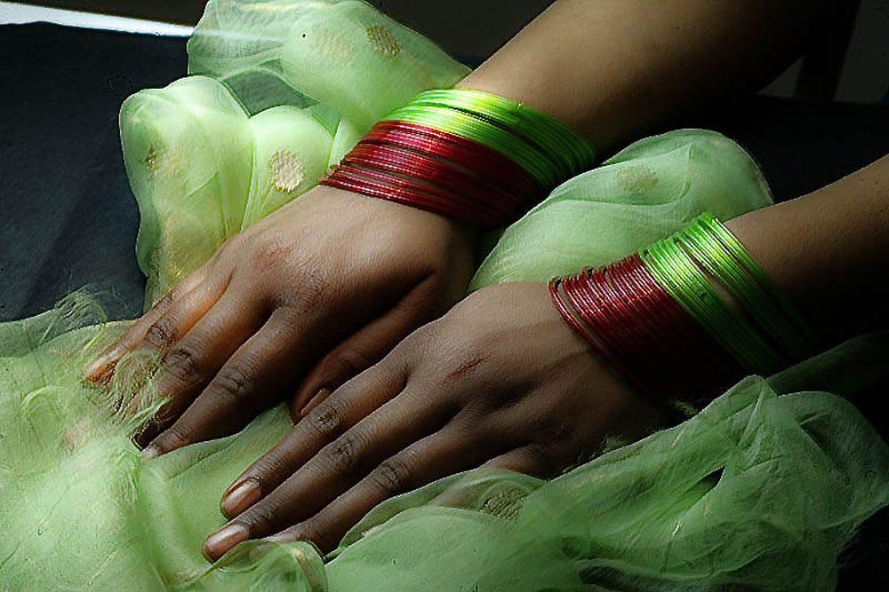 Toutes les femmes orientales portent des bracelets...surtout les Indiennes!