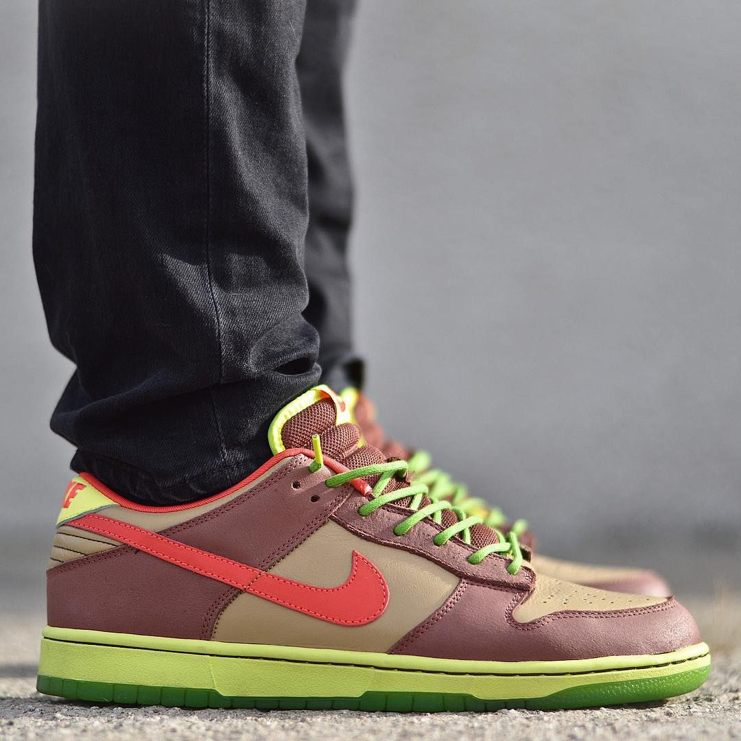 new style cbc74 6a10a Nike Dunk Low SB