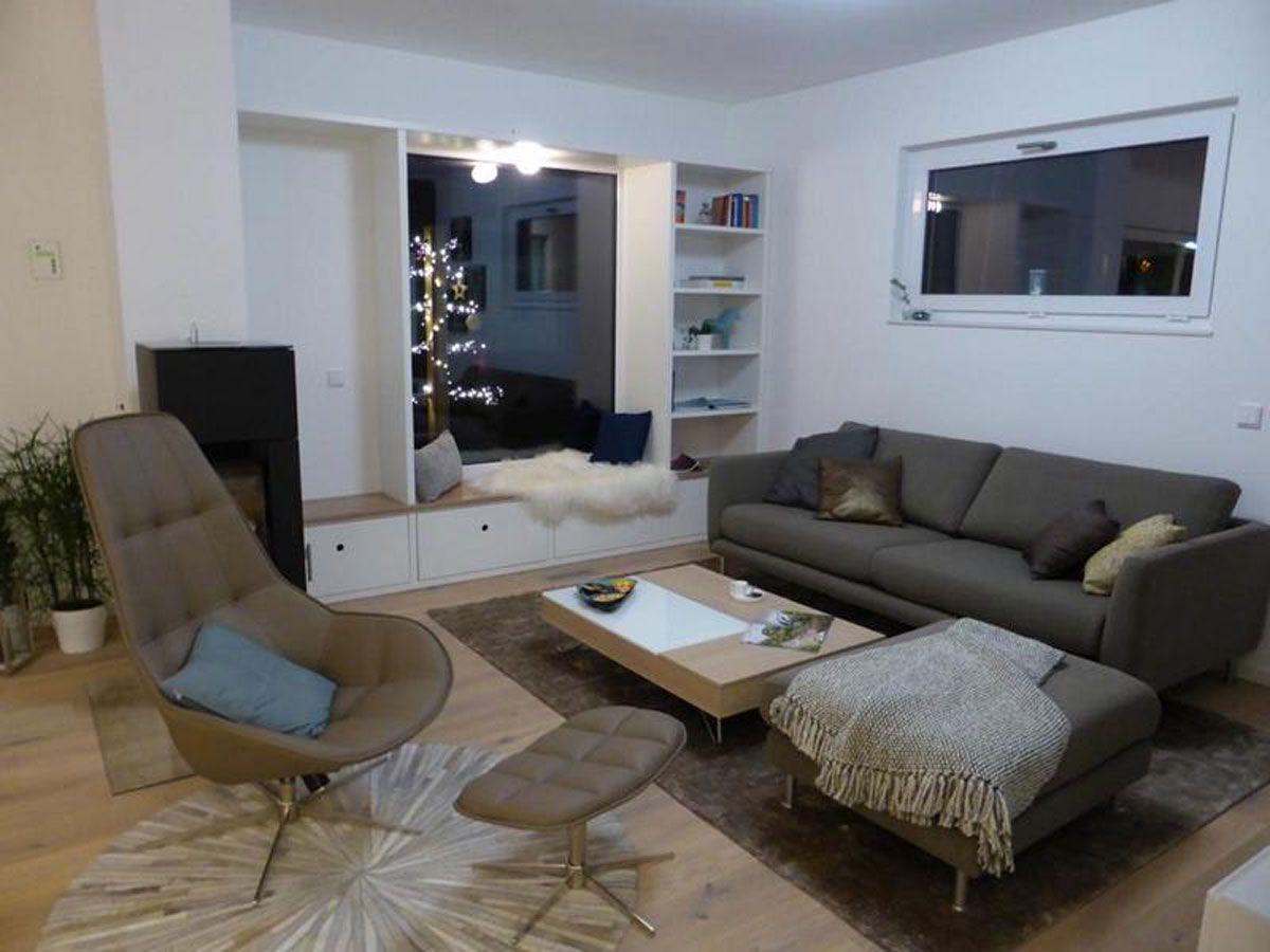 was für ein gemütliches wohnzimmer: naturtöne, kissen und das ... - Grose Fenster Wohnzimmer