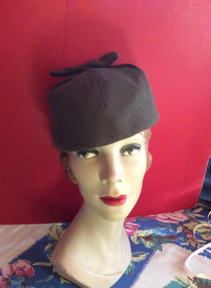 1acacf751 Vintage 1940s 1950s Hat Designer Hattie Carnegie Department Store ...