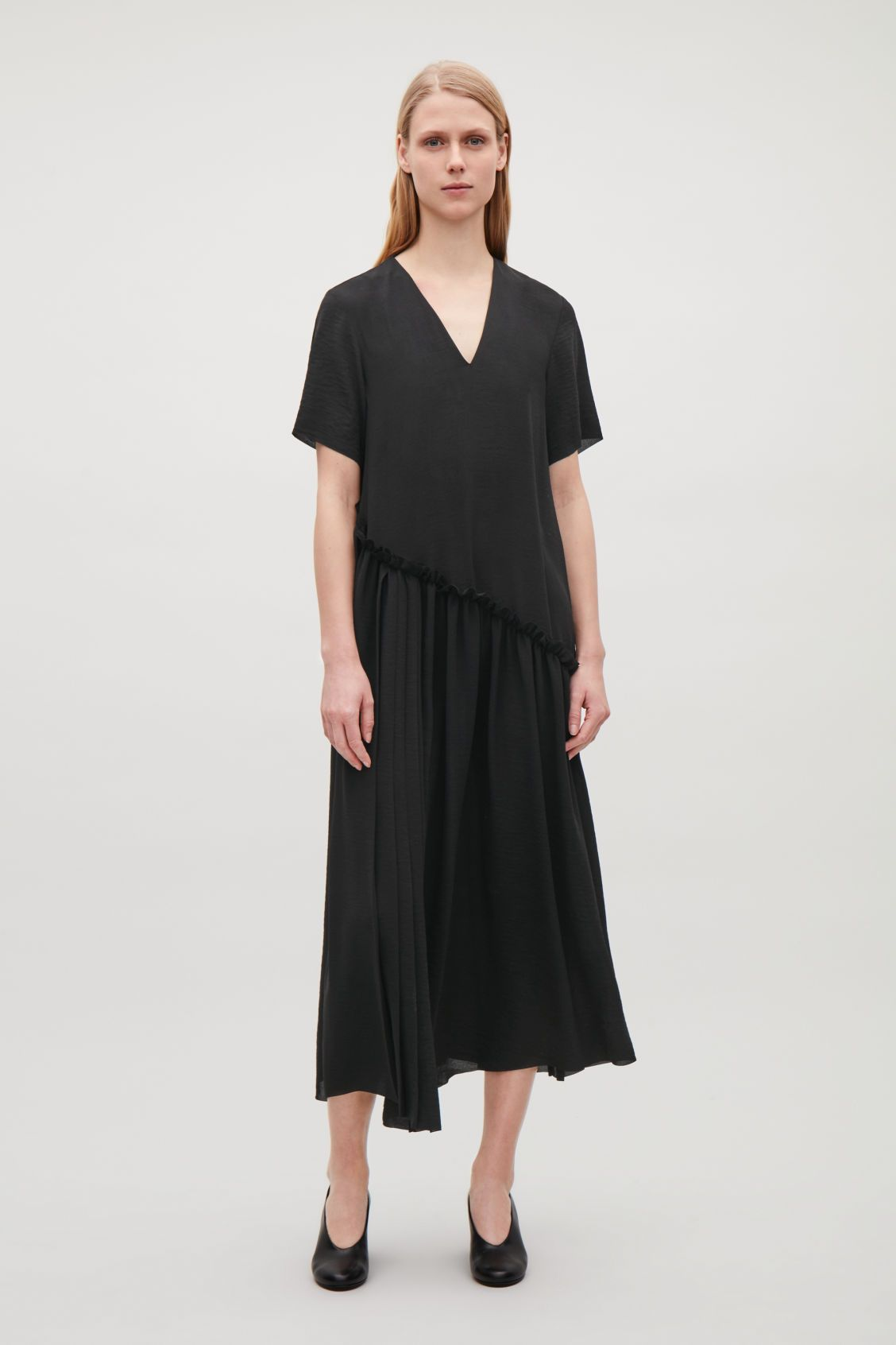 05232aca Model front image of Cos layered v-neck chiffon dress in black ...