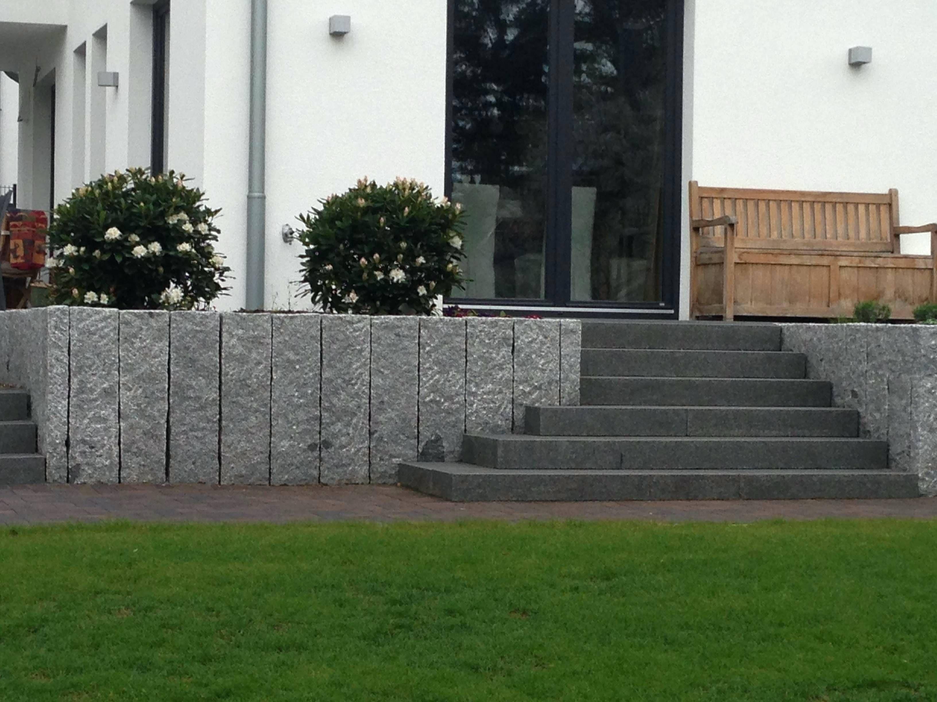 terrassen treppen in den garten
