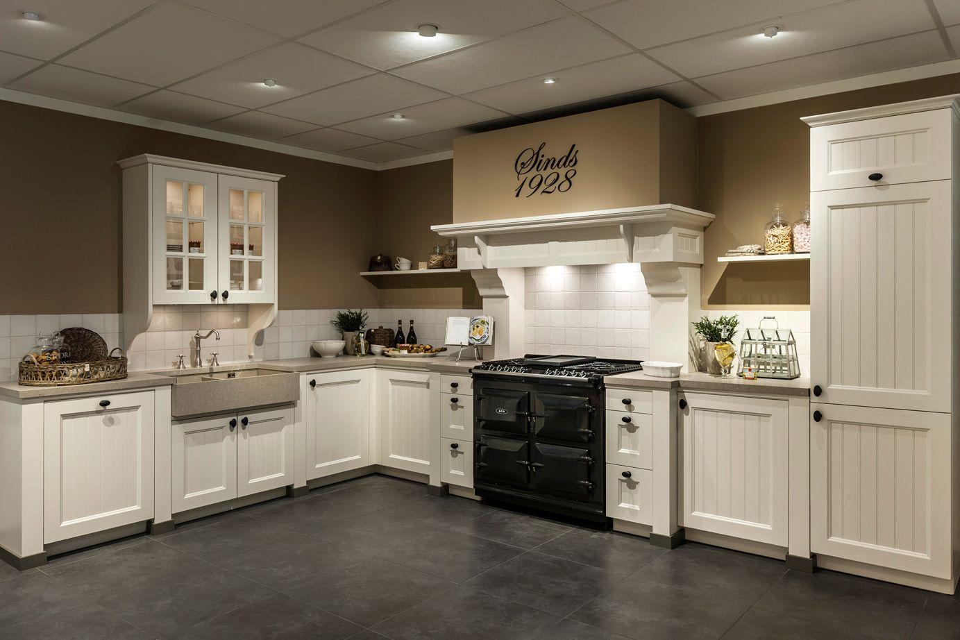 Fornuis Keuken Landelijk : Landelijke keuken kookplezier met aga fornuis db keukens