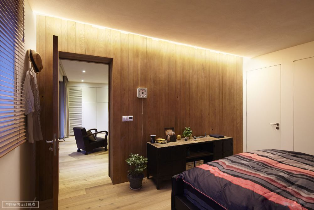 Charming bedroom with wooden wall bedroom pinterest modern minimalist wooden walls and minimalist