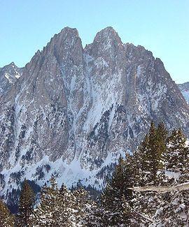 LLeida Aiguestortes Los Encantados, dos picos representativos del parque.