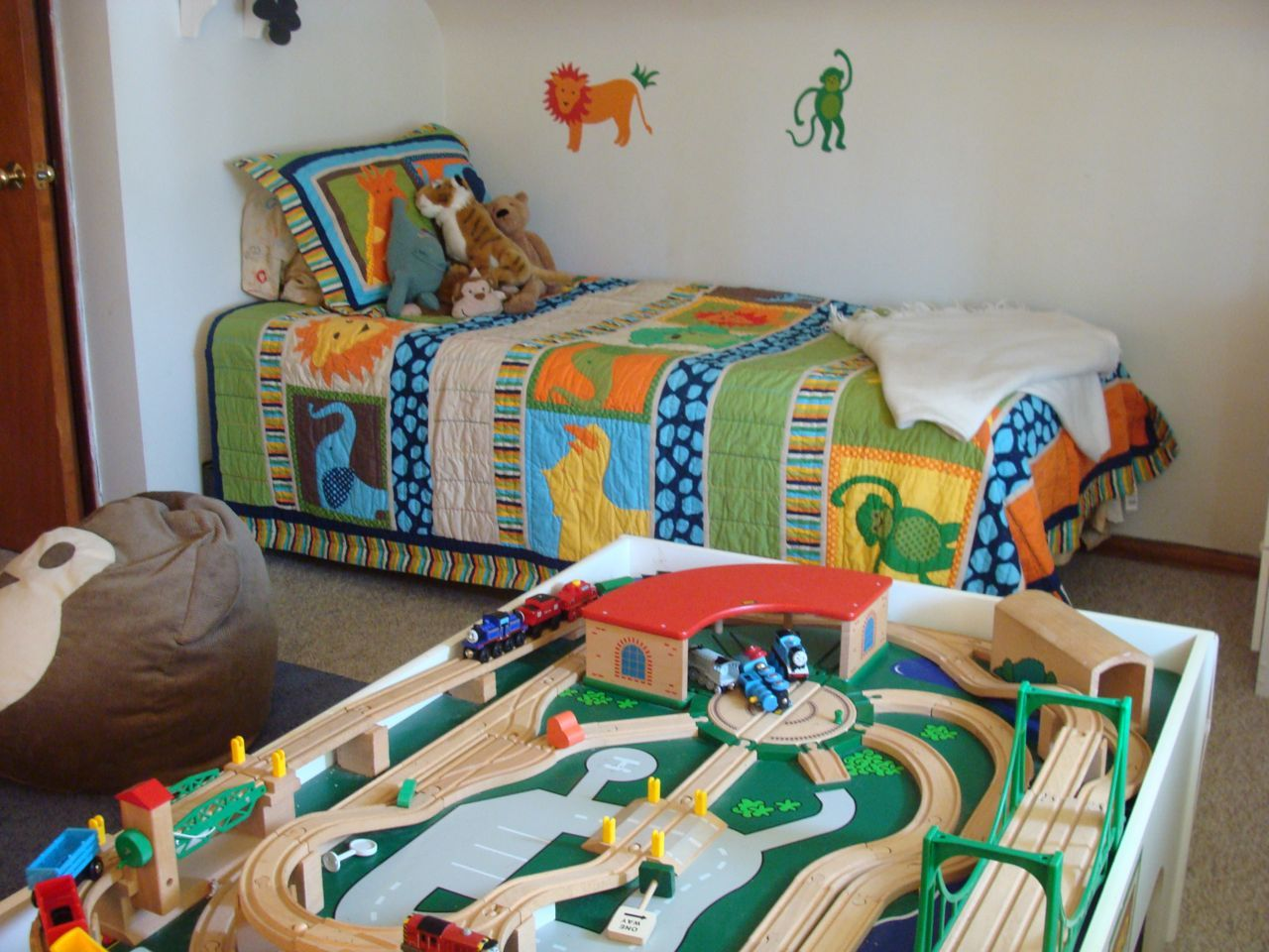 Trendy Little Boys Bedroom Design Inspirations : White Stylish Little Boys  Bedroom Decorating With Animal Bedding