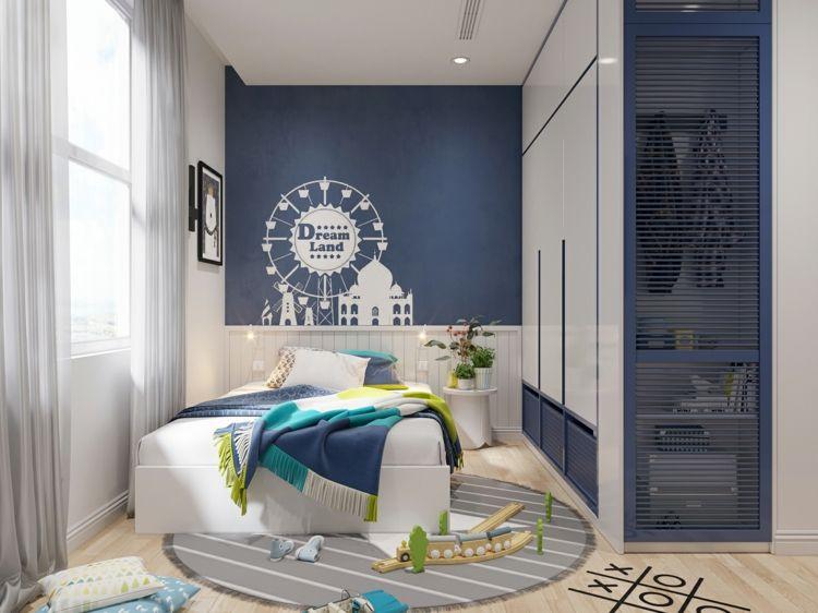 Attraktiv Kinderzimmer Für Junge Mit Blauer Akzentwand Und Wandschrift