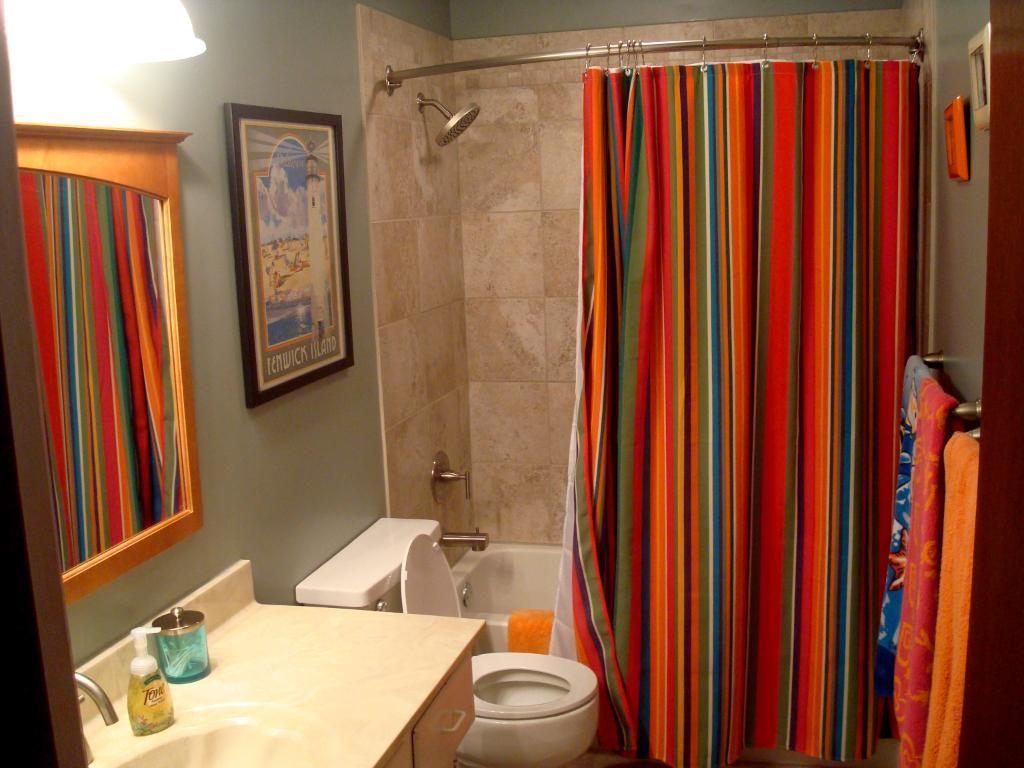 Etonnant Pleasing Vertical Striped Bathroom Curtain Design For Marvelous Bathroom  Design Astonishing Curtain Design For Contemporary Home Interior Ideas