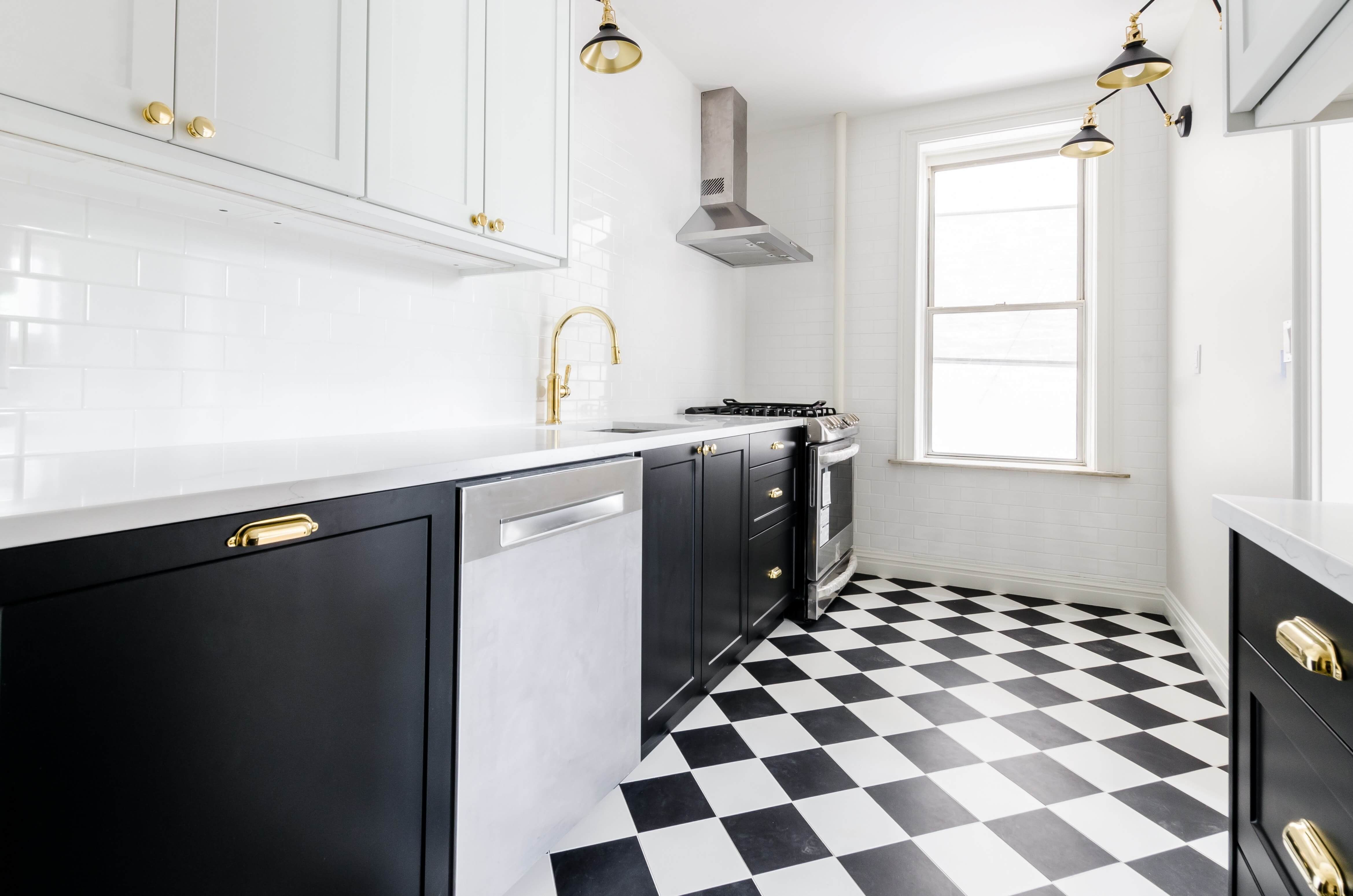 Cabinet Refinishing In Garden City Ny N Hance Of Central Nassau County In 2020 Refinishing Cabinets Dishwasher Kitchen Cookware Sets