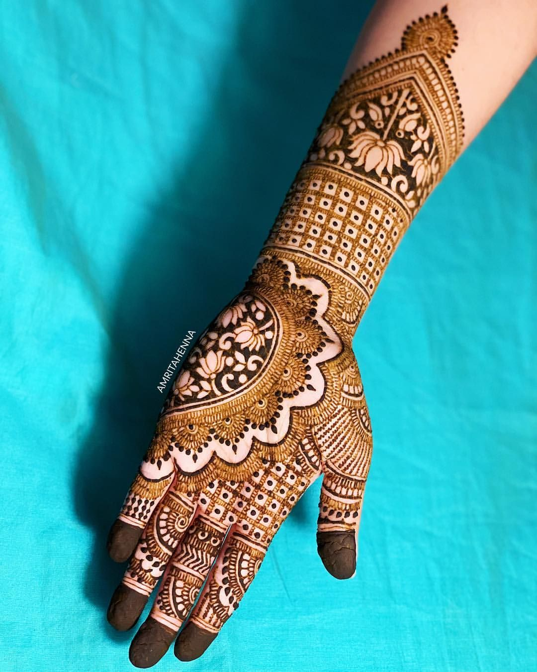 Welcoming Monday With My Latest Design Full Video Available On My Youtube Channel Click Engagement Mehndi Designs Henna Designs Hand Full Hand Mehndi Designs