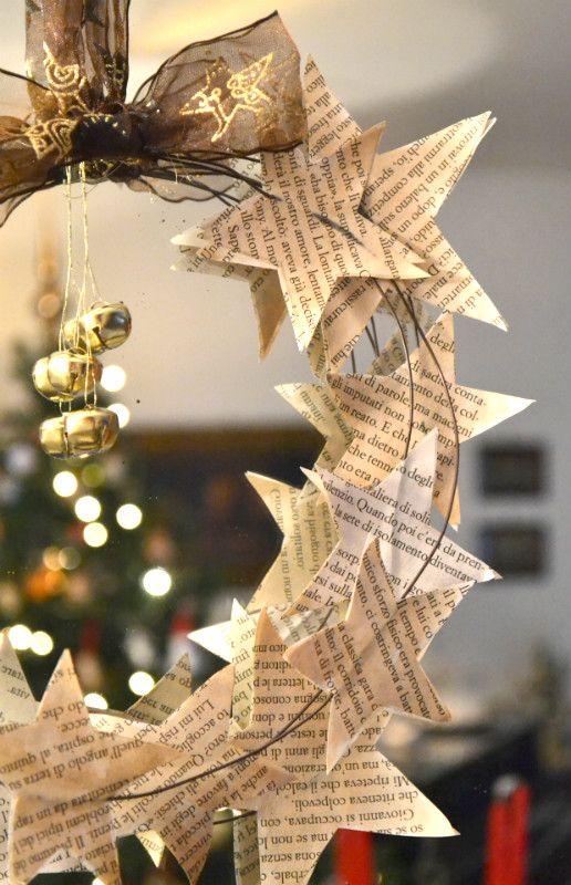 Come Fare Le Decorazioni Natalizie.Come Fare Una Ghirlanda Con Stelle Di Carta Tutorial La Figurina Idee Di Natale Decorazioni Natalizie Idee Natale Fai Da Te