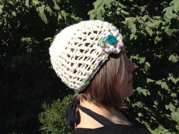 Ivory crochet woman hat.