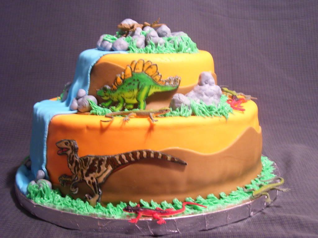 Dinosaur Cake Recipes Pictures : Surprising Amount of Dinosaur Birthday Cakes on Pinterest ...