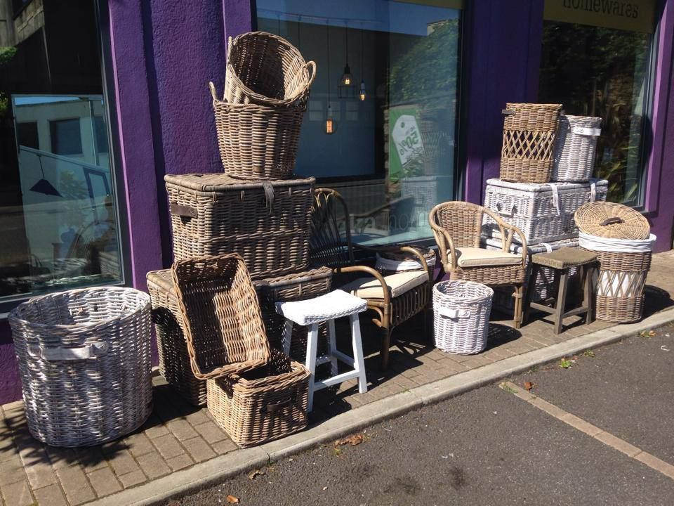 A fantastic one off range of wicker baskets & furniture, ideal for any conservatory this summer! Uneeka.home
