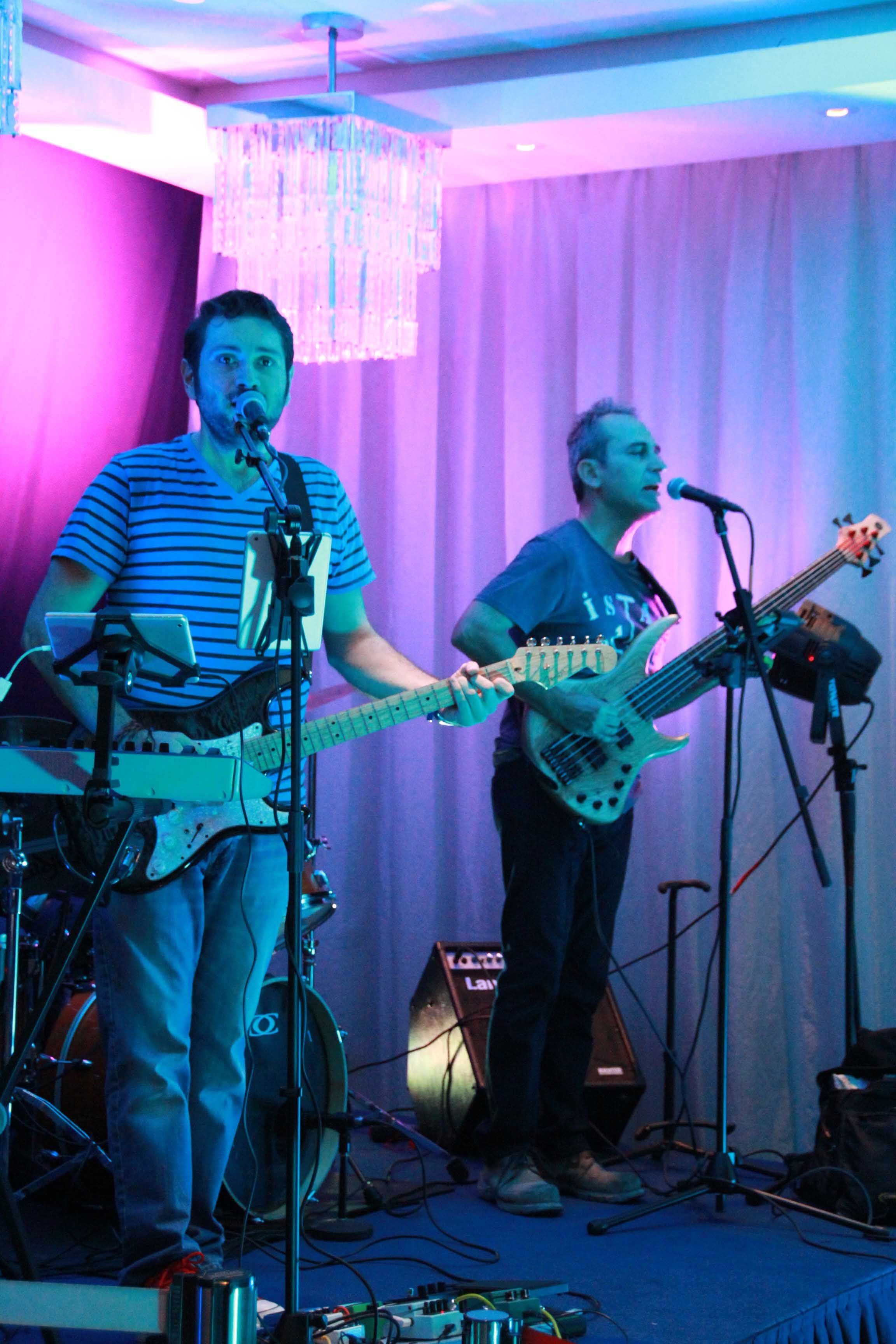 We enjoyed some awesome Rock & Blues Classics, live by Visne Band in our Healeys Bar & Terrace!
