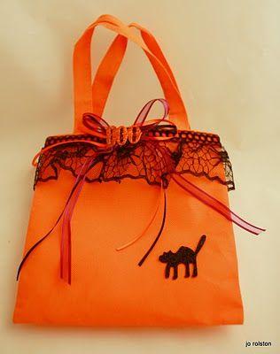 Halloween Bagbag at the Dollar Tree DIY I got the bag at the Dollar - decorate halloween bags