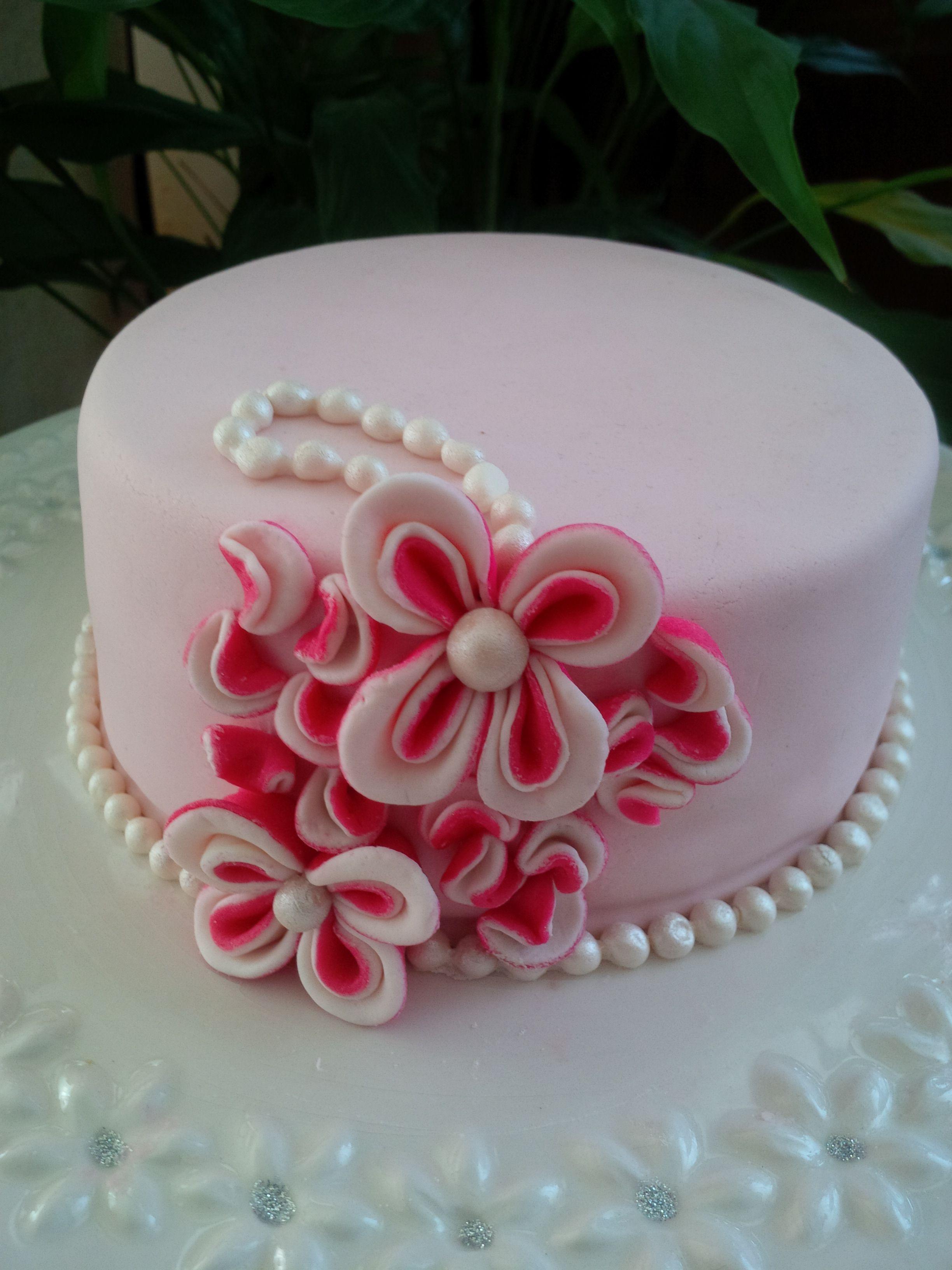 Pretty Flower Cake Birthday Cakes For All Pinterest Cake