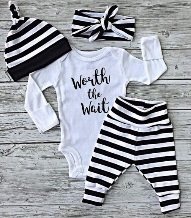 047a62173e5b newborn baby coming home outfit