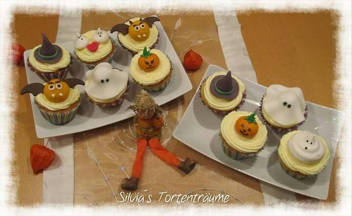 Silvia's Tortenträume: Mandel-Cupcakes mit Zitronencreme Mandel Cupcake Zitrone Topping lecker Halloween Geister Kürbis Hexenhut Rezept