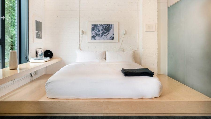 Lit Sur Estrade Gain De Place Tendance Japandi Plywood Furniture Furniture Hotel Room Plan