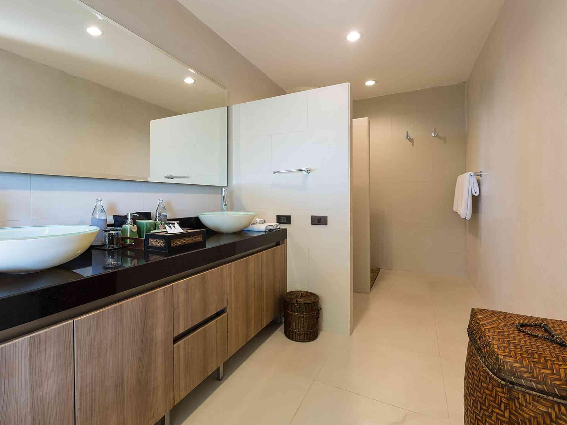 Panacea Retreat Atulya Residence Kitchen Lohono Stays By Isprava In 2020 Luxury Villa Rentals Ensuite Bathroom Koh Samui