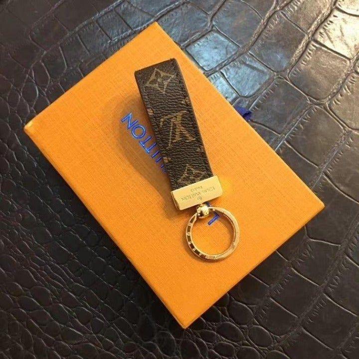 Luis vuitton dragonne key holder luis vuitton louis