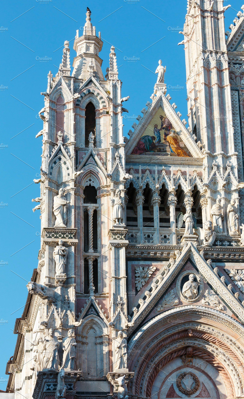 Siena street scene, Tuscany, Italy | Italy architecture ...
