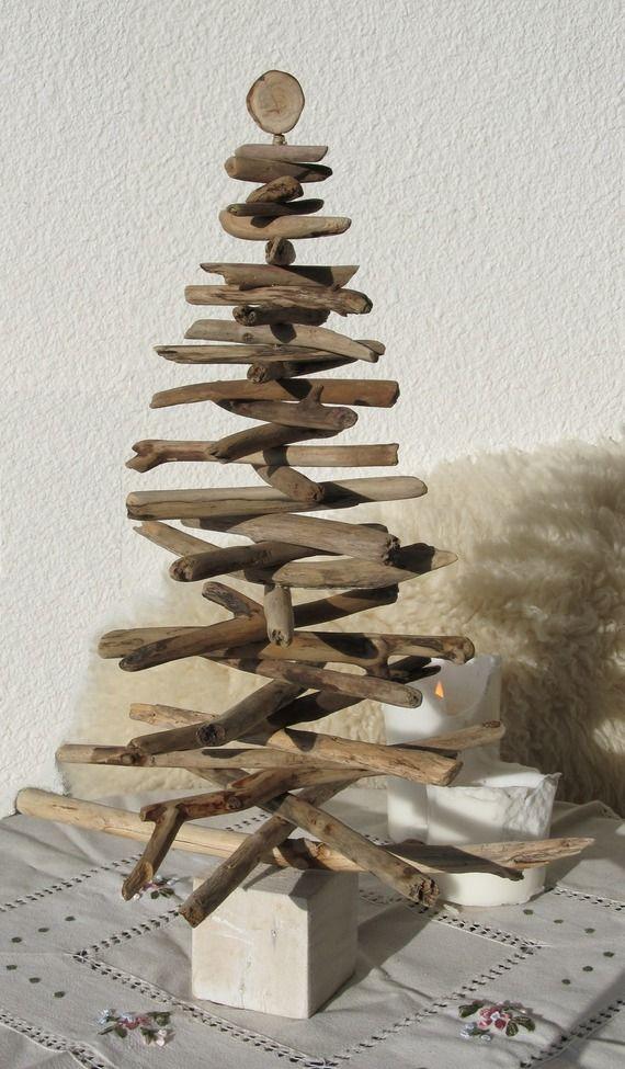 Sapin en bois flotté sur un socle blanchi   Déco de Noël   Pinterest ...