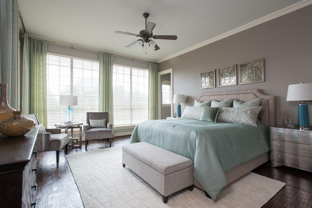 Gemütliche Custom Bett Sätze Zimmer Renovierungen