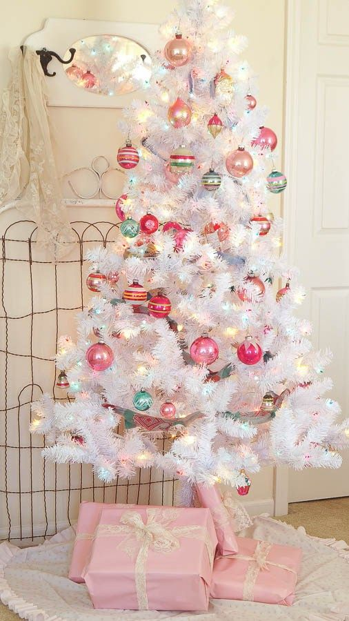 30 Inspiring Christmas Tree Ideas - The Benson Street