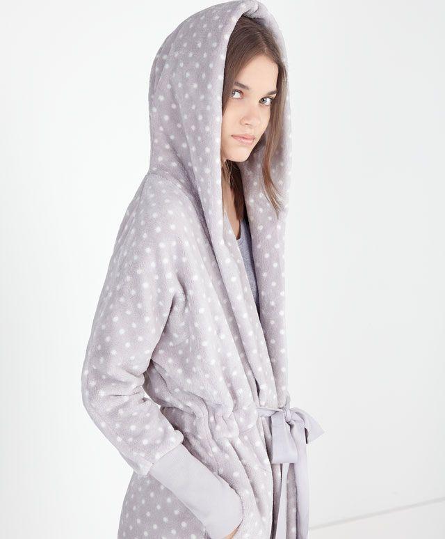 Bata polar capucha topos - OYSHO   Pijama   Pinterest