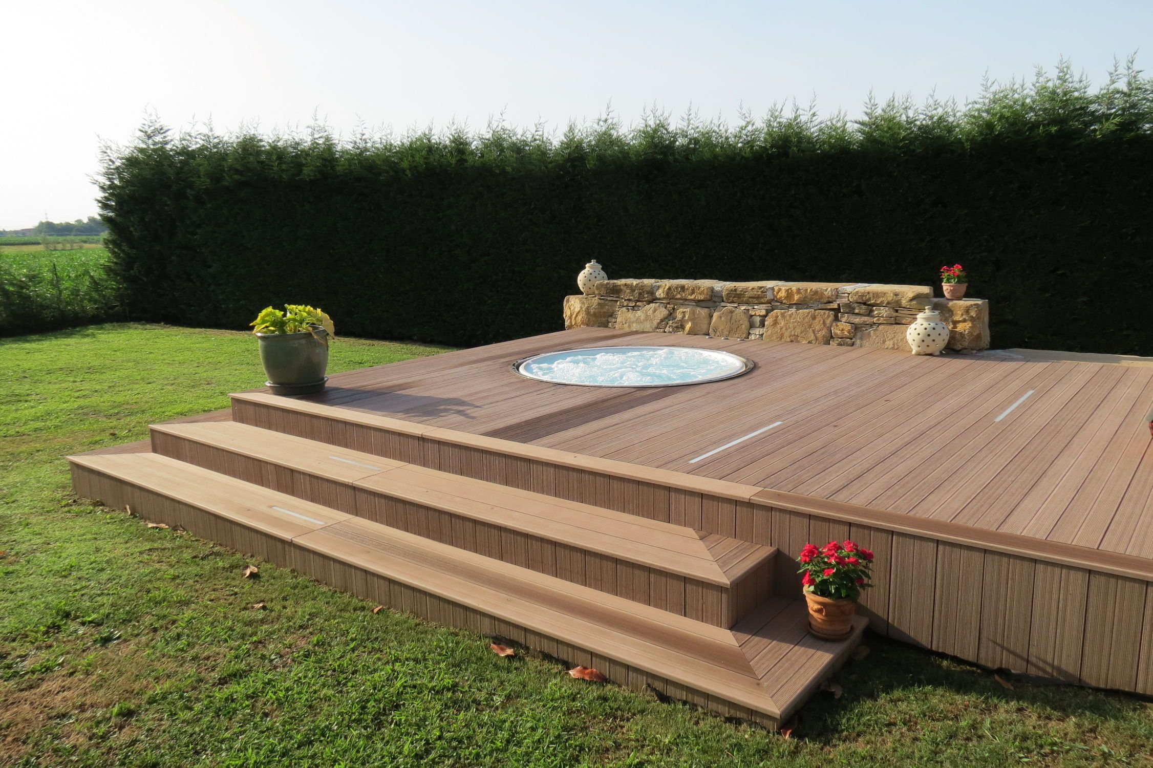 waterproof composite sundeck flooring ,price comparison
