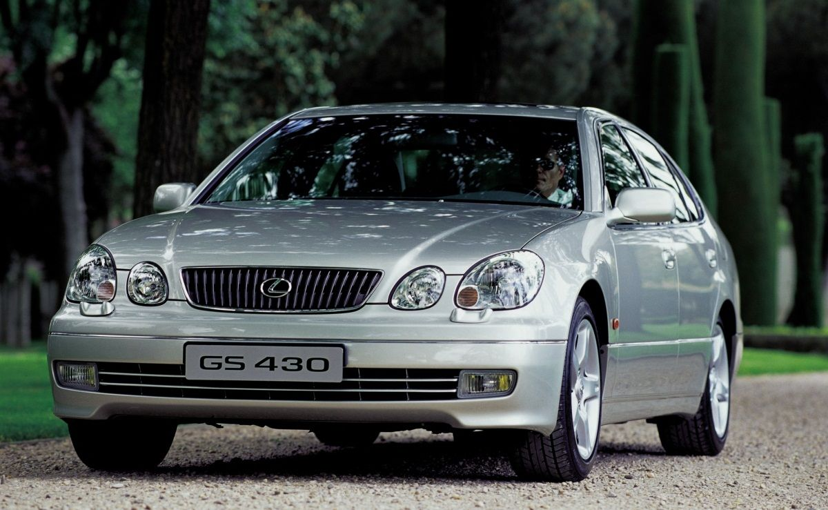 LEXUS GS 300 (2000 - 2005) Description & History:  Available with two engine versions, 300 and 430, this model is a facelift of the second generation GX mid-size luxury sedan.